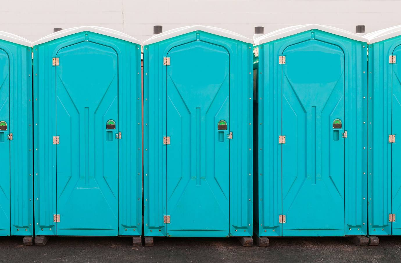 Portable Toilet Hire Services for Outdoor Occasions